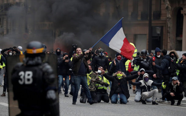 The Yellow Vests Have the French Banking System in Their Sites